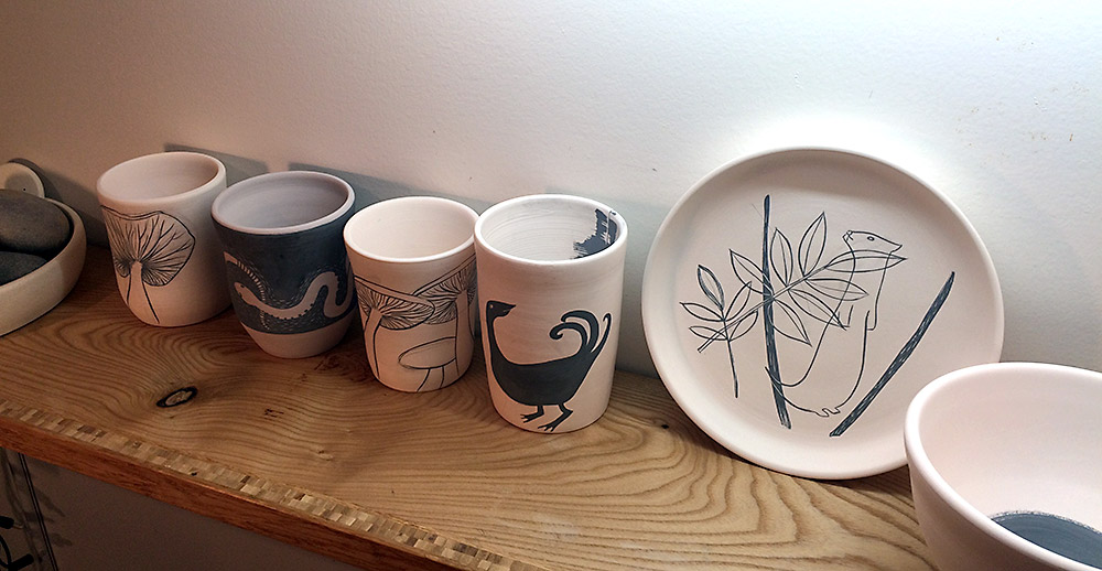 Decorated plates and tumblers