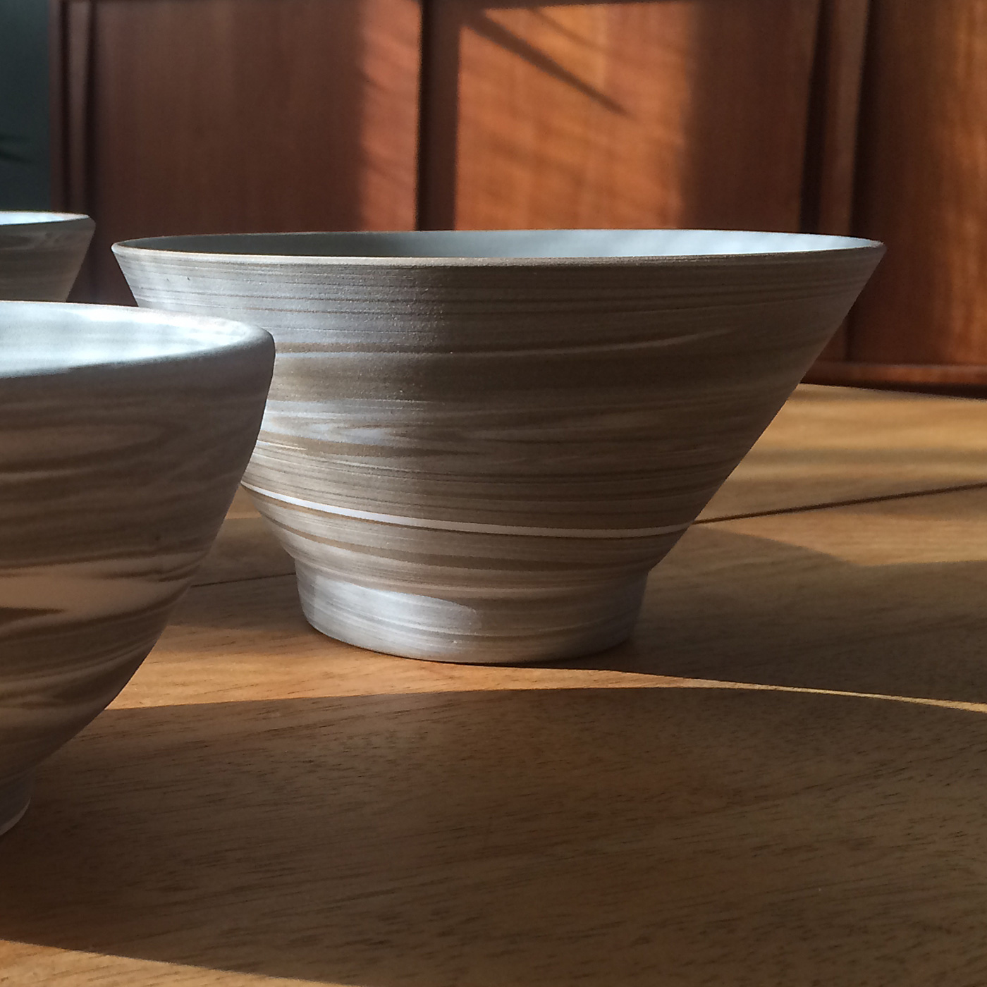 Marbled clay bowls, by La Datcha
